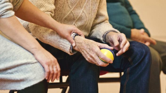 formation bientraitance personnes âgées